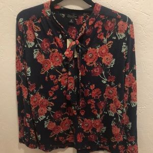 NWT Lucky Brand Navy Floral Top Size M